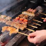 炭火鳥焼 蔵鵡 - 料理写真:料理人の熟練の技が光る贅沢な焼き鳥!備長炭で一気に焼き上げる、絶品の串をどうぞ!