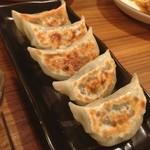 24391554 - 牛スジ餃子。