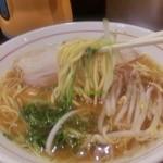 ラーメン くまごり - 麺リフト~♪