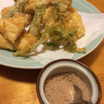 居酒屋えん - 天ぷらの盛り合わせと藻塩
