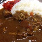 大三元 - よく煮込まれた豚ばら肉、野菜がゴロゴロ入ってます。ピリ辛はやはり黒胡椒、体が温まります。