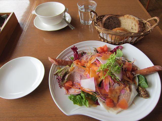 石窯ガーデンテラス - 鎌倉野菜と鎌倉ハムのサラダ仕立て