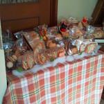 ユーちゃんちのママ - 焼き菓子類の棚
