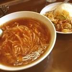 すいけん - 料理写真:ミニスタミナ飯と辛いラーメンセット(๑´ڡ`๑) そこそこ辛いわ(^^