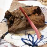 梅むら  - 鮭の朴葉焼き