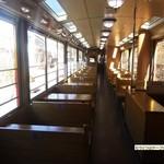 24405958 - トロッコ列車 テーブル席の車内