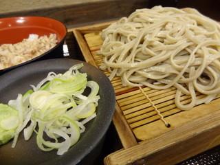 蕎麦 冷麦 嵯峨谷