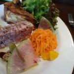 24406658 - 1800円コースのパテとキッシュ。すーーばらしい一皿。本当に素晴らしい一皿‼パテの肉質が凄い‼