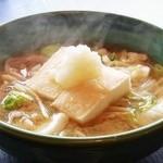 お多福 - 料理写真:野菜たっぷり     力うどん