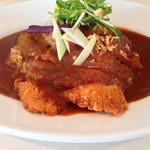 太陽カレー - 料理写真:冬野菜+三元豚ロースカツ(小盛り)700円