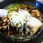 みたび - 料理写真:みたびラーメン(焦がし醤油)700円