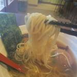 ぷかぷか - あごダシスープが細麺に絡む!