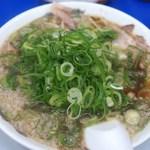 来来亭 - チャーハン定食のラーメン(ネギ多め)