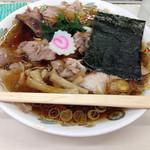青島食堂 秋葉原店 - チャーシュー麺(800円)。