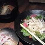 Satsumagokamon - 大根サラダ(756円)、おでん盛合せ(1,029円)。