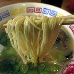 爽風亭 - 麺は極細ストレート