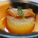 24437153 - 小鉢で出てきた大根と地魚の煮付