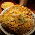 とん亭 - かつ丼玉子W+味噌汁(2013,12)