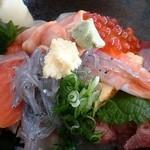 なな輝 - 海鮮丼