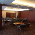 ガスビル食堂 - ウェイティング スペース