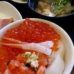 24448890 - <朝食>手作り海鮮丼