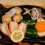 おさきかもめ屋 - 料理写真:小エビ・イカ・ホタテ・の海の幸