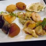 24449926 - 帆立フライ、牡蠣フライ(左上)、帆立の香草焼き(右上)、ツブと大根の煮物(左下)