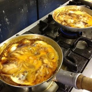 驚くほどジューシーな鶏肉と半熟トロトロ卵の絶妙な火加減の親子丼