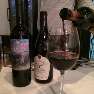 料理に合わせたワインが楽しめる。