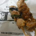 鶏太郎 - モモの大串と地鶏の鶏ネギ串