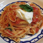 24451211 - サンマルツァーノトマトとサワークリームのタリアテッレ