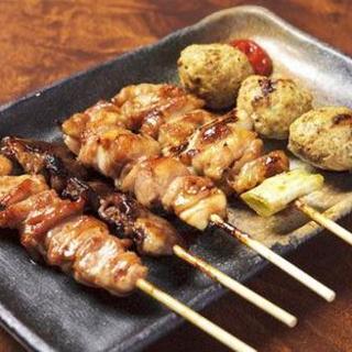 阿波尾鶏や但馬鶏を使った絶品串焼きをお楽しみください。