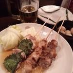 KAZU - 紫蘇まき(鶏)、奥にはウズラの煮卵