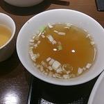 華正樓 - 炒飯のセットのスープ