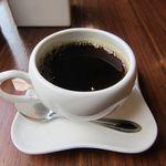 bond - 土日祝はコーヒーがサービス