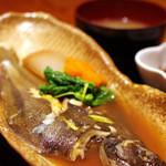 魚猿 - ランチ 煮魚定食(980円)