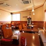 ニュー高円寺インディア - ゆったりとした2階席