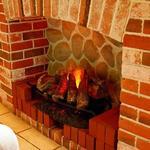 四ツ橋カフェ - 暖炉の火が ゆらゆら。癒されます。