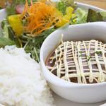 SOHO - 料理写真:煮込みハンバーグ 800円
