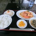 グリーンロード - 料理写真:唐揚げ定食