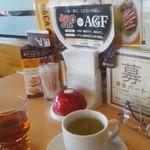 ジョイフル - ウーロン茶と玄米茶