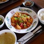 琳 - 海老チリ定食 950円