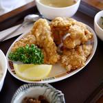 琳 - 唐揚げ定食 750円
