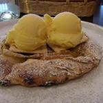 ピッツァパッツァ - パリッと焼き上がったナポリ風の生地が美味!