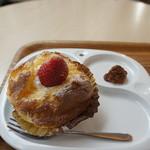ママのえらんだ元町ケーキ - 「ざくろ」260円、おまけのお菓子付き