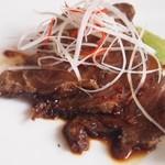 ジョーズ シャンハイ ニューヨーク  - 牛ほほ肉の黒酢醤油