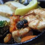 肉バル グランデ - 6)ハワイアンガーリックシュリンプ(680円:税別)