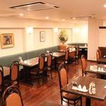 鎌倉山下飯店 - ゆったりとお食事をお楽しみいただけます。