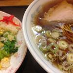 丸屋 - 料理写真:Aランチ ラーメンとレタスチャーハンのセット700円