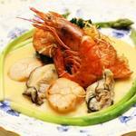 味利 - 料理写真:海老と金目の貝添え